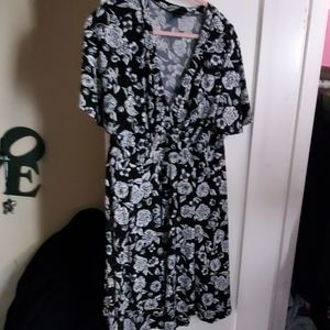 Torrid dress black with large white flowers